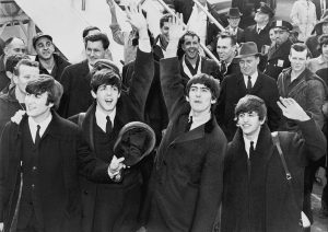 Les Beatles en 1964 (ph. United Press International) [domaine public]
