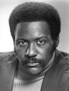 Richard Roundtree (photo promotionnelle pour la série TV Shaft) [domaine public]
